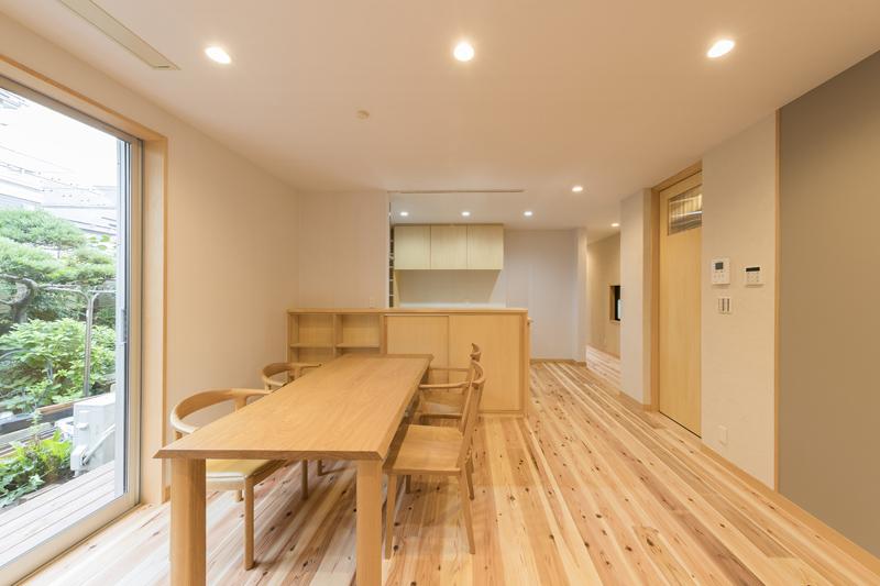 3階建て木ノベーションの小さなお家